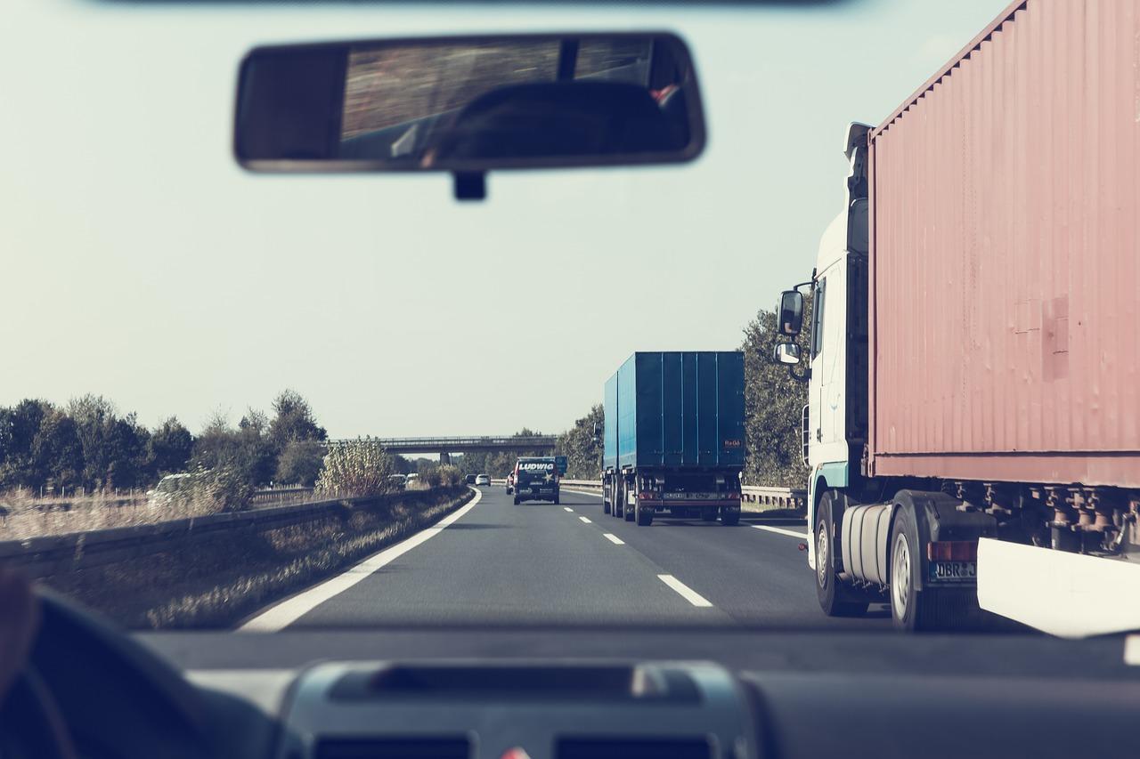 Kiedy firmy decydują się na samochód dostawczy?